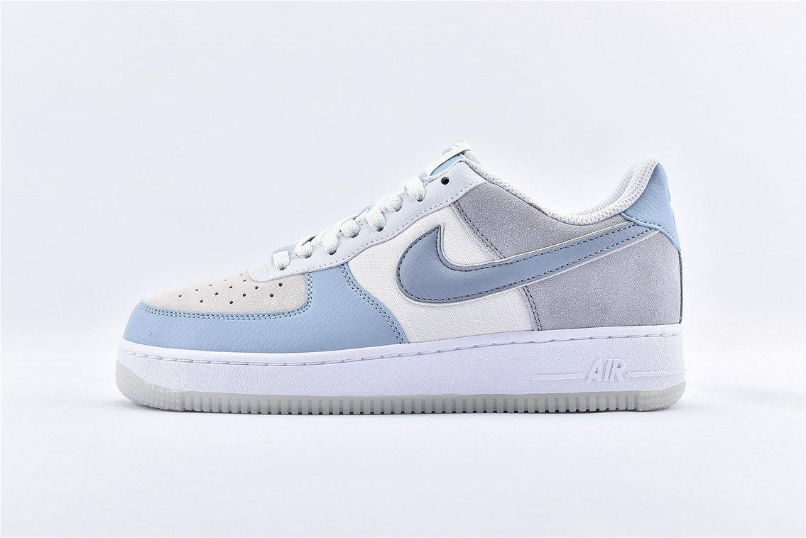 Offerta Scarpa nike air force one 1 grigia e celeste