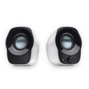 Logitech® Stereo Speakers Z120: massima semplicità di collegamento a qualsiasi sorgente audio. Gli altoparlanti ricevono il segnale audio tramite un cavo standard da 3